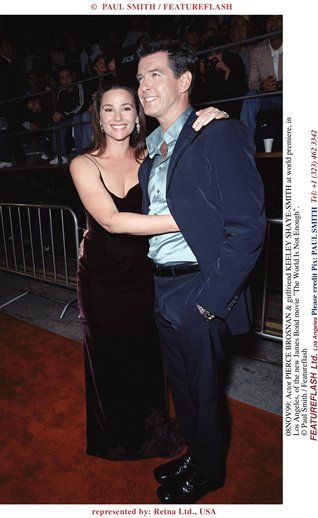08NOV99: Actor PIERCE BROSNAN & girlfriend KEELEY SHAYE ...
