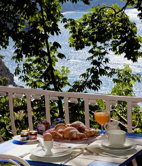 Um dos lugares que passei minha lua de mel foi em Positano na Costa Amalfitana, lugar fabuloso que todo mundo tem que conhecer uma vez na vida. Fiquei hospedado no Hotel Poseidon, que tem uma vista…