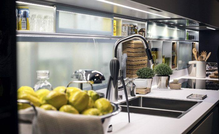 Ανοιχτά ράφια για την Κουζίνα του 2017!  #design #diakosmisi #minimal #tips #ανακαίνιση #ανακαινισηκουζινας #ανοιχταραφιακουζινα #βιομηχανικο #διακόσμηση #έμπνευση #ιδεεςδιακοσμησης #κουζινα #μινιμαλ #ντουλαπια #ξυλο #ράφια #ραφιακουζινας #φυτά #φωτισμος #χρωμα #χωροι