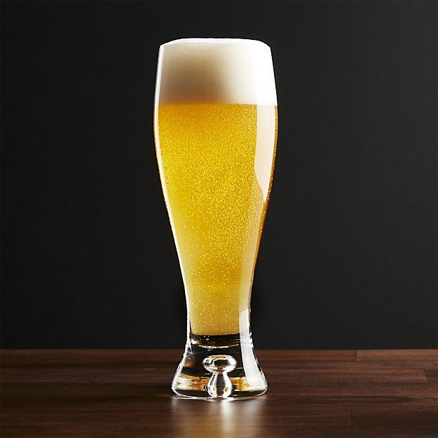 A full-bodied pilsner with curvaceous contours and thick sham base. Shape showcases the head of your favorite ale or lager. Design balanced to perfection.