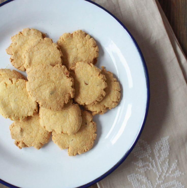 Hoy os traigo una receta de unas galletas con harina de maiz que saben a galleta tradicional. Son...