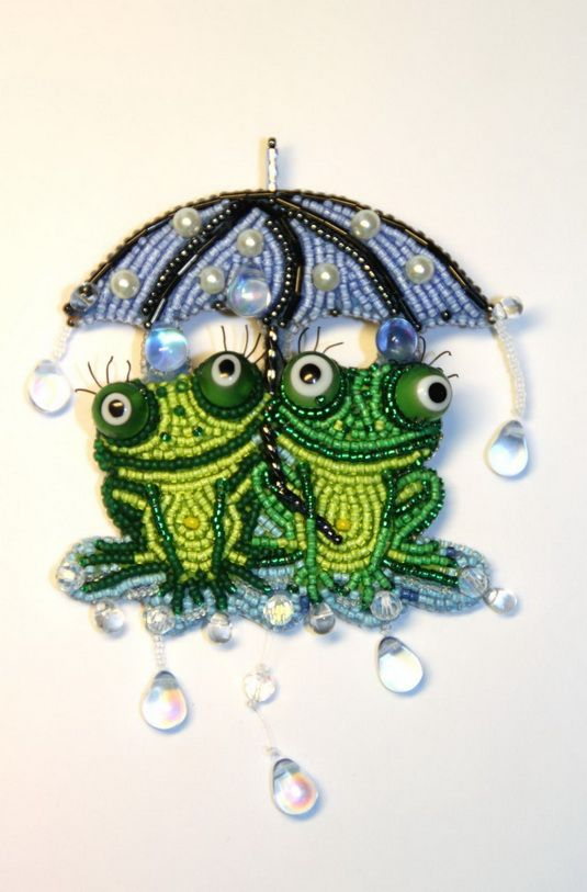 Amazing alive brooches by Lubov  http://beadsmagic.com/?p=3251#more-3251
