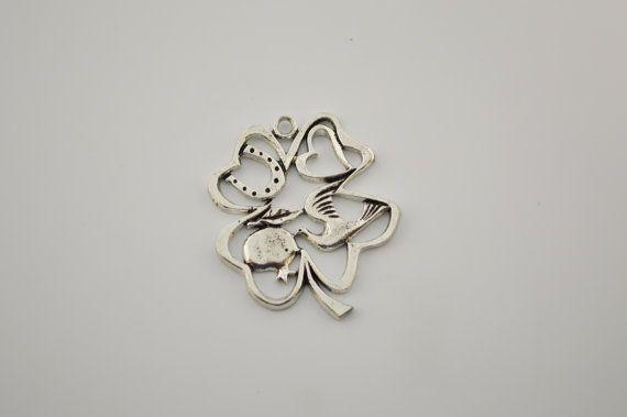 5 silver Clover charms by charmsandmetal on Etsy