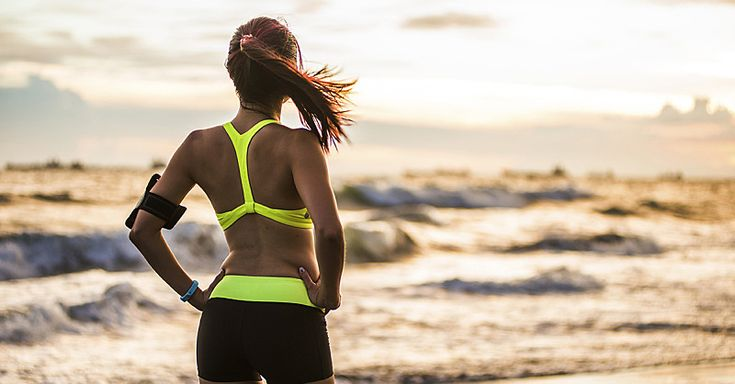 Want to make the most out of your daily run? A sports nutritionist shares the right method to drop pounds while still maintaining your level of fitness. Read on for the 5 ways to fuel your next run and still lose weight.