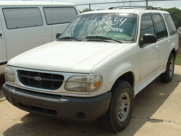 the red mazda pickup truck was traded for a late 90 39 s ford explorer very base model manual. Black Bedroom Furniture Sets. Home Design Ideas