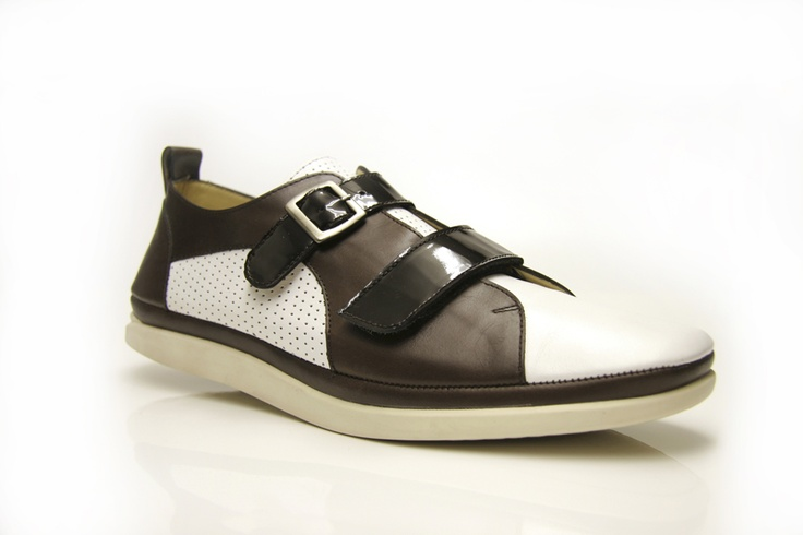 Aki Choklat Men's Footwear
