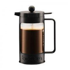 デンマーク発祥のキッチンウエアブランド bodumボダムからフレンチプレスで作る水出しアイスコーヒーメーカーBEANが登場した 挽いたコーヒー豆にお水を注いで一晩冷蔵庫で寝かせるだけでアイスコーヒーが完成する 1.5リットルのアイスコーヒーを作れ密閉式の蓋が付いているのでこれからの季節に重宝しそうだ
