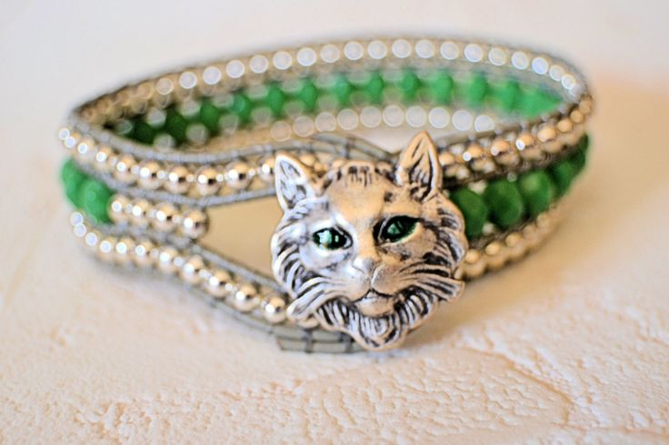 Faceted Green Bohemian Cat Bracelet от ArKaysCreations на Etsy