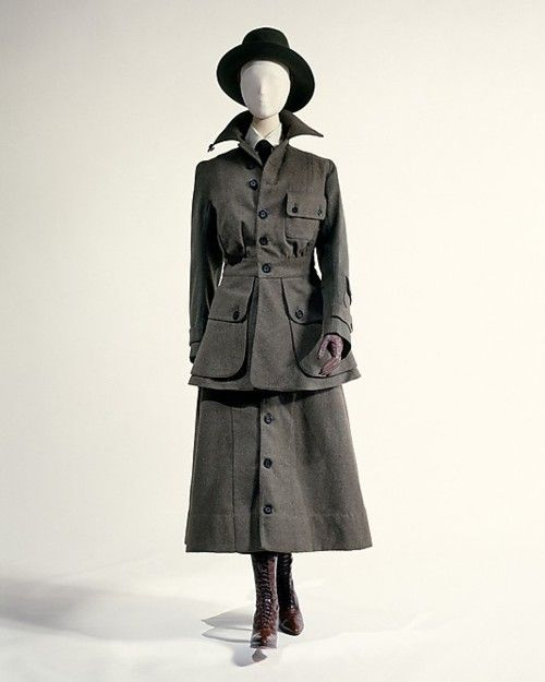 Women's military uniform by Abercrombie & Fitch, 1917 US, the Met Museum
