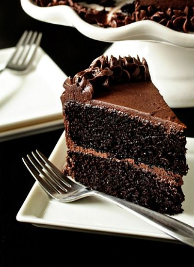 Pin for later >> THE BEST CHOCOLATE CAKE RECIPE ever...seriously. | dessert recipe