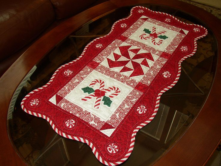 Quilt Patterns For Table Runners And Placemats : 279 best images about Quilt table runner & placemats on Pinterest Runners, Quilt as you go and ...