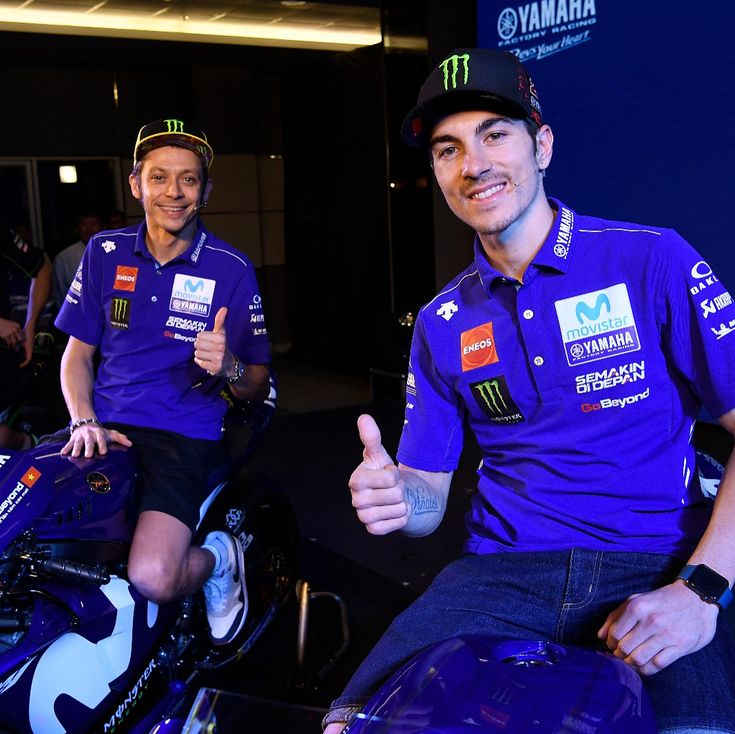 いいね!15.8千件、コメント26件 ― Yamaha MotoGPさん(@yamahamotogp)のInstagramアカウント: 「The Yamaha Motorsports Media Conference 2018 is live. @valeyellow46 and @maverickvinales25 are now…」