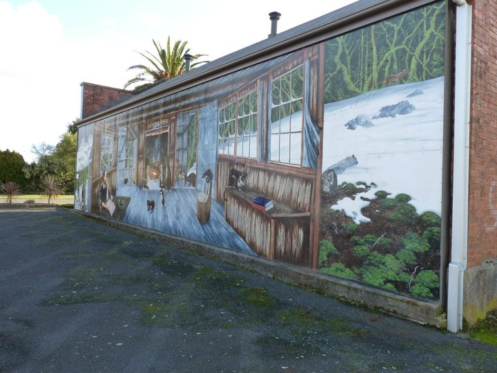 Murals at Sheffield in North West Tasmania have become famous all over the world.