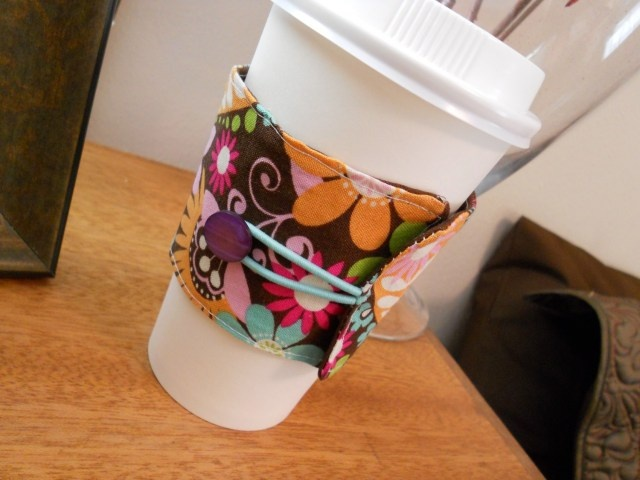 cute: Quick Gifts, Sewing Projects, Gifts Ideas, Fabrics Scrap, Coffee Cups Cozy, Mugs Cozy, Coff Cups, Coff Cozy, Coffee Cozy