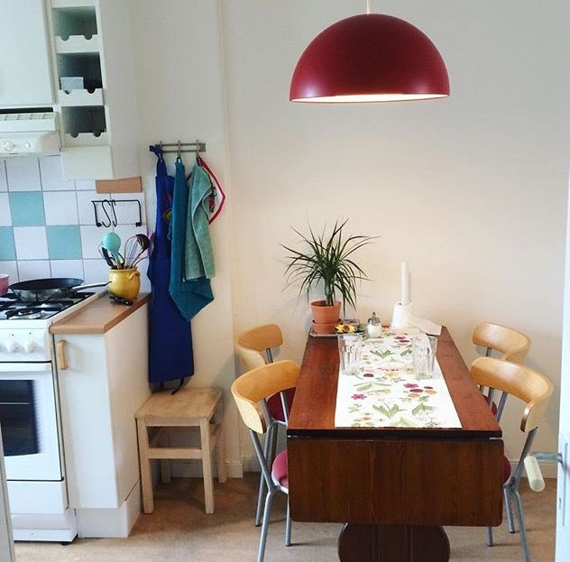 Retro home , kitchen table , secondhand furniture , student appartement