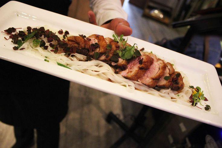 """Que tal nuestra Pechuga de Pato """"Crispy"""" para este domingo en Daniel? Los esperamos... www.daniel.com.co/menu"""