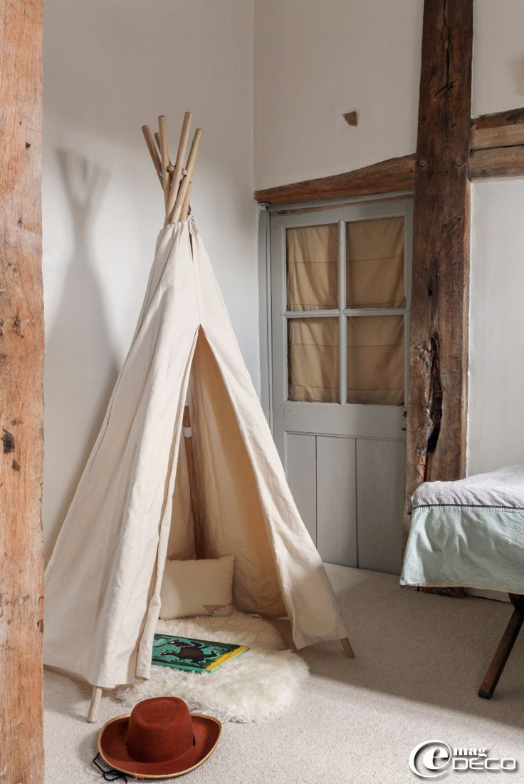 tipi 39 smallable 39 tapis peau de mouton 39 ikea 39 trop de bien pinterest house rules kids. Black Bedroom Furniture Sets. Home Design Ideas
