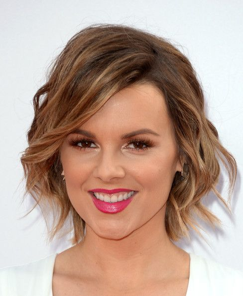 Ali Fedotowsky Short Wavy Cut - Short Hairstyles Lookbook - StyleBistro