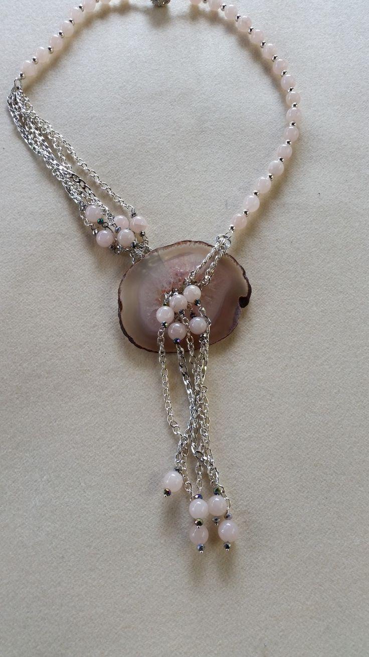 Collana con pendente agata-quarzo del brasile, perle di quarzo rosa, catena di alluminio anodizzato argentato : Collane di giujoux