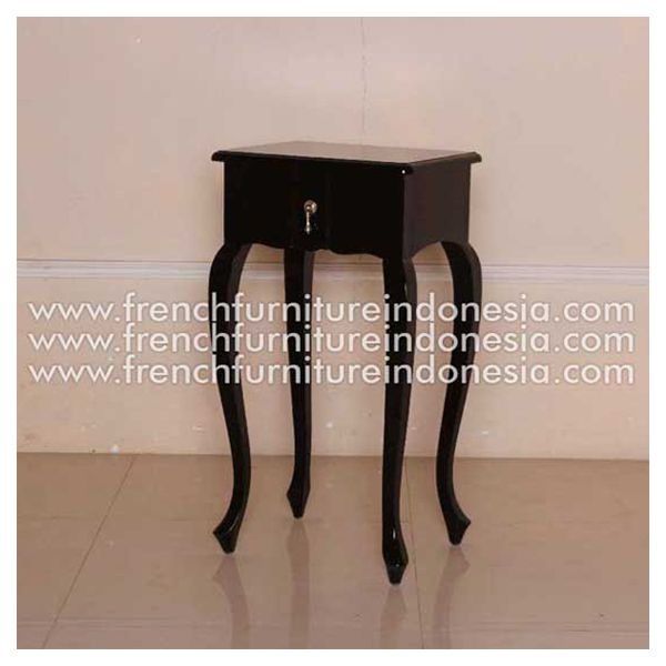 Order French Bedside from Black furniture. We are reproduction 100 % export Furniture manufacture with French furniture style and high quality Finishing.We also provide Unique furniture style, White Furniture and Painted Furniture. This French Bedside is made from mahogany woods with good quality and good design has a strong contruction. #BlackFurniture #ExporterFurniture #ClassicFurniture #MahoganyFurniture #SupplierFurniture