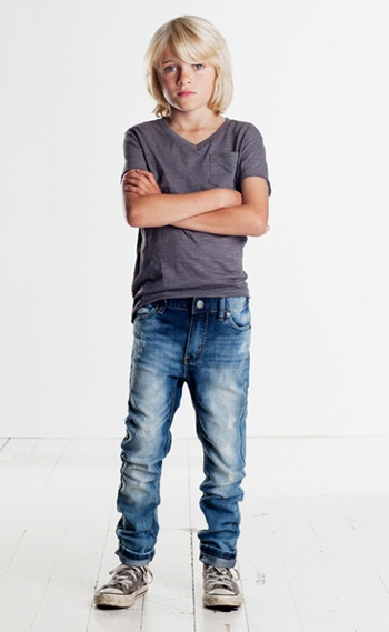 Simple and they won't fight you on their outfit :) Relaxed jeans and a simple tee say so much about this age and can give a modern look to your black and white session!
