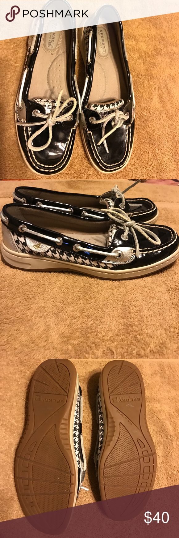 Sperry's Selling these cute shiny black Sperry's! In very good condition. Smoke free home! Sperry Top-Sider Shoes Flats & Loafers