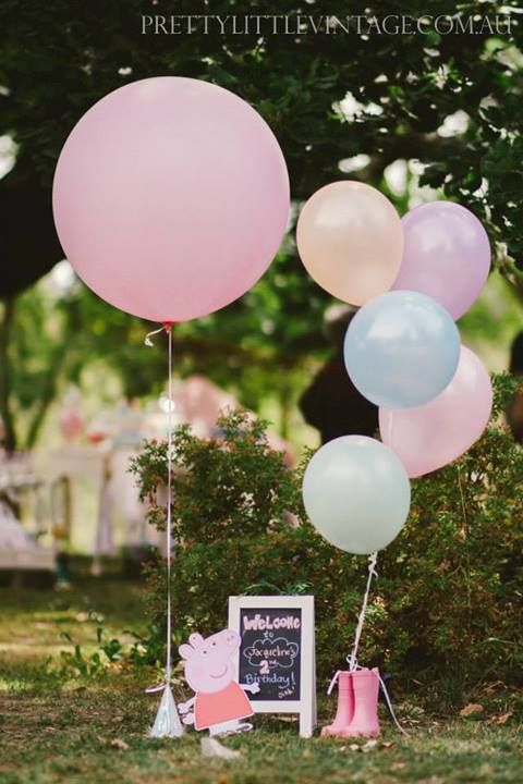 Peppa pig party setting. birthday party stylists from australia. soo cute.