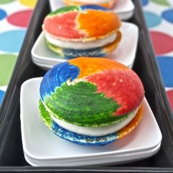 Rainbow Swirl Macarons filled with Marshmallow Cloud Fluff! Amazingly four colors swirled on a macaron!