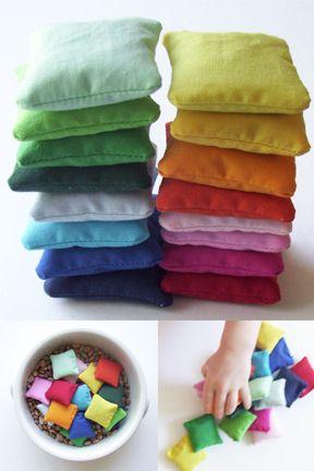 Mini bean bags, tutorial. : Color Minis, Bags Tutorials, Bags Projects, Minis Beanbag, Beans Bags Crafts, Beans Bags Diy, Bean Bags, Crafty Games Kids, Minis Beans
