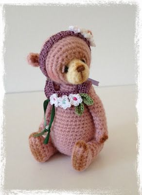TheTinyToyBox Miniature Thread Artist Amigurumi Crochet Bears: Fiona Flowers Now Available for Adoption!