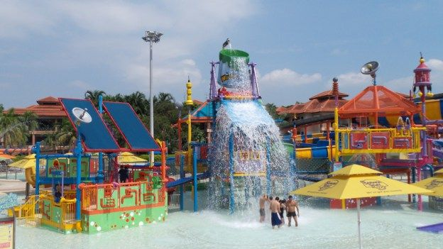 Review of Wild Wild Wet Water Park in Singapore - a cheaper alternative to Adventure Cove when travelling with young kids in Singapore by Wilson Family Travel Blog