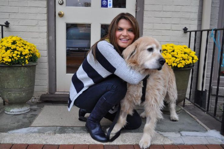Carrie Wedo keeps Nick in the pic with her striped cashmere sweater and navy #Gabor boots!