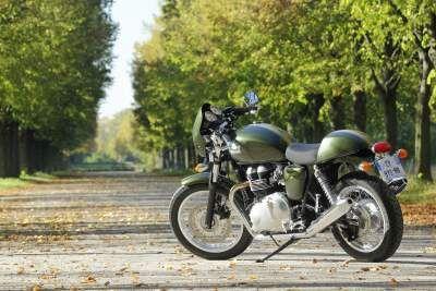 Essai Triumph Thruxton 900 : une histoire d'amour - 900 cm3 - Café Racer - Essais - Thruxton - Triumph - Caradisiac Moto
