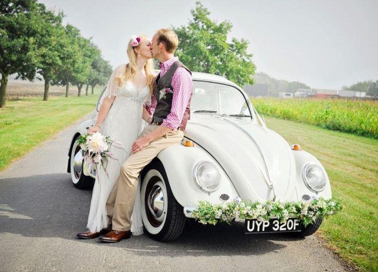Examinez nos idées magnifiques et inspirantes de décoration voiture mariage!Rétro ou moderne, l'automobile joue un rôle important pour l'organisation et la