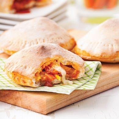 Pizzas-pochettes au pepperoni - Recettes 5-15 - Recettes express 5/15 - Pratico Pratique