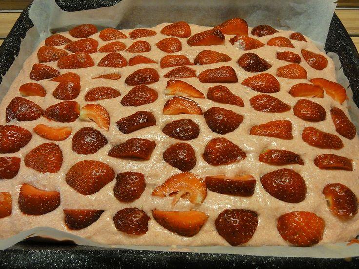 Jak upéct jahodové řezy s krémem na plechu   recept