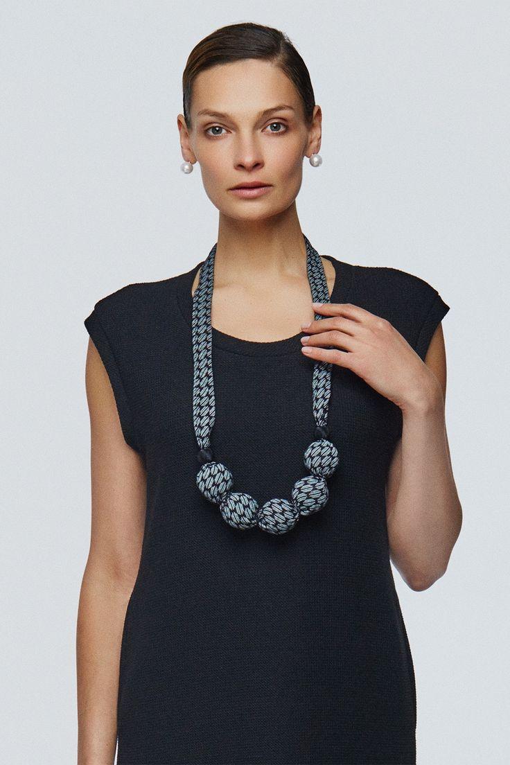 Купить Бусы большие шары ромбики от Lesel (Лесель) российский дизайнер одежды