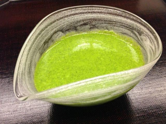 青じそ万能たれ!NHKのあさイチで紹介された新しい万能たれ! - 野永 喜三夫シェフのレシピ。ちょ~~~~~簡単でまさに万能!!!名付けて「俺の青じそ万能たれ」 サラダや魚介類や麺類にあえたり、から揚げの下味のたれなど! まさに万能たれ!これは使えますよ! 世界も唸る「青じそ万能たれ」の美味しさと可能性! 下に以前開催した外国での食のイベントをリンクしてあります。