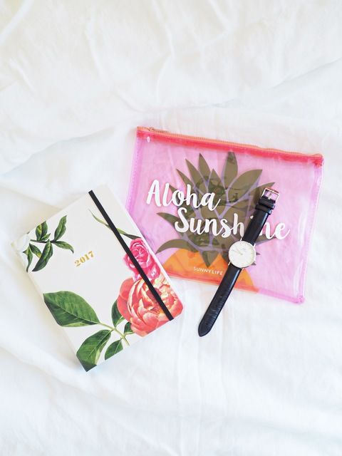 Start the week off right withe this lovely pairing. Our #KateSpade 17-month floral agenda is perfect for organising our days ahead, whilst our Aloha Sunshine pouch by #SunnyLife is handy for carrying all of our daily essentials. See more of our many new products, available at #shoprubyfrank.