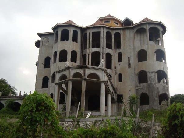 The drug lords mansion in jamaica beauty in a crazy for Building a house in jamaica