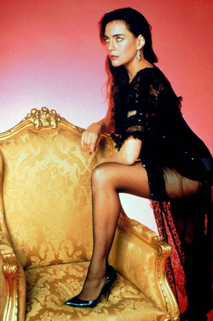 Julie Carmen as the vampiress Regine Dandridge in Fright Night 2 (1988)