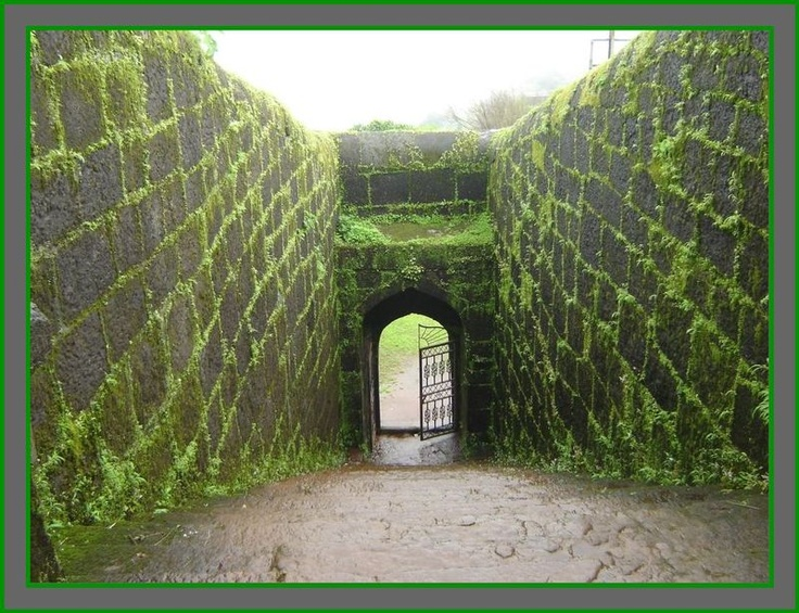 Natural Pictures of Raigad Fort
