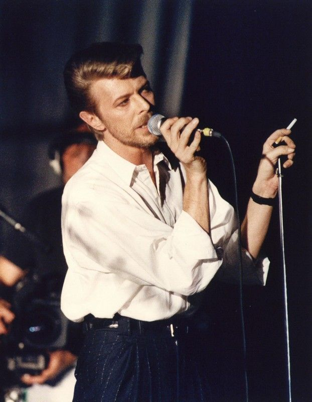 "tornandfrayed: "" David Bowie in the Paradiso, Amsterdam in 1989 "" Werewolf Bowie"