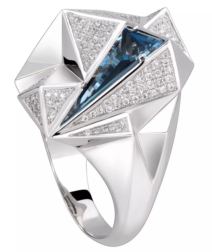 Carrera y Carrera Iceberg ring with blue topaz and diamonds