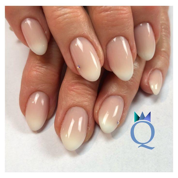 Die besten 25 n gel mandelform ideen auf pinterest fingern gel rund muster acryl n gel - Nageldesign braun beige ...