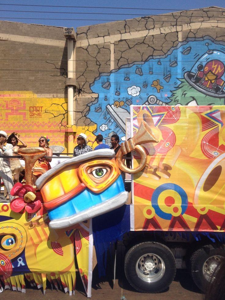 PARADE (Barranquilla, 2016) #carnival #parade #barranquillacarnival #barranquilla #quienloviveesquienlogoza #tropical #party #caribbean #costume #photography #photo #pic #iPhone #iPhone4s #iPhonePhotography