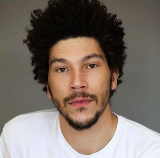 "The final new cast member for ""Game of Thrones"" Season 4 seems to be in place. British actor Joel Fry has joined the show as Hizdahr zo Loraq, a character who becomes entangled in Daenerys' storyline."
