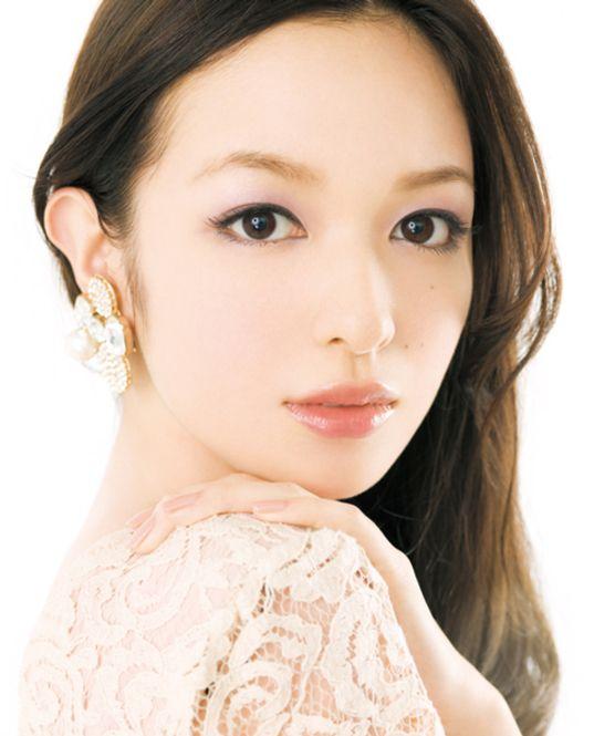理想は森絵梨佳さん♡結婚式の花嫁の化粧参考♡真似したいウェディング・ブライダル♡