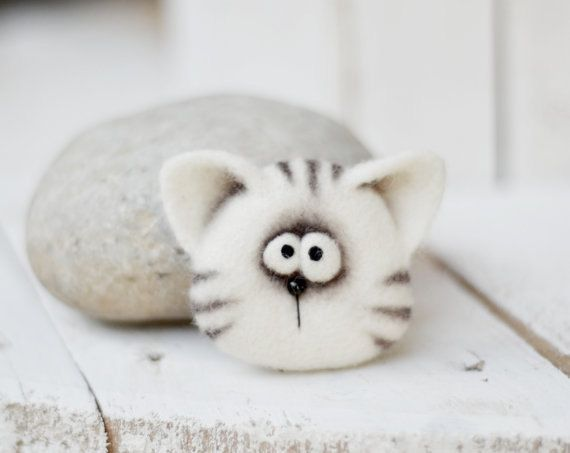 Felt brooch - Brooch - Felted animals -Needle felting brooch - Jewelry - Felt - Baby accessories - gift for her - childrens gifts - felt toy