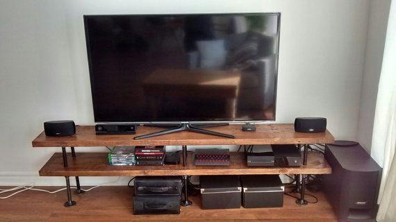 Tuyau industriel et bois TV stand || Console Media || Unité de divertissement || Bibliothèque rustique || Meuble TV sur mesure fait à la main || Acier et bois